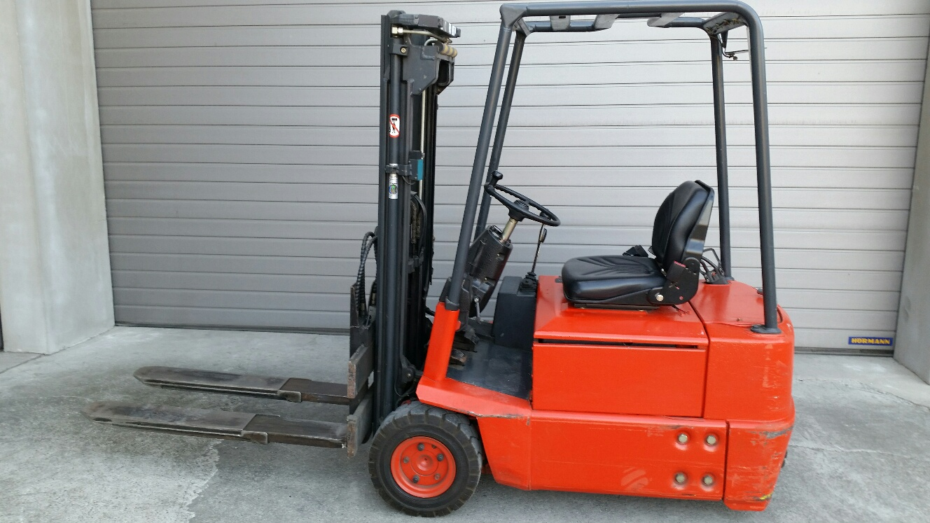 Masywnie wózek widłowy elektryczny Linde E15 MazurMaszyny.pl VQ03